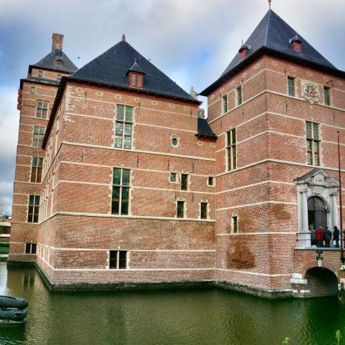 """""""Academia""""- gerechtsgebouw -kasteel van de hertogen van Brabant"""