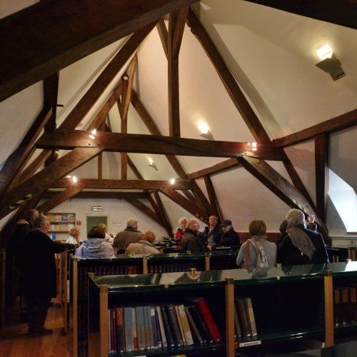 """de bibliotheek... ooit die van Mariua Van Hongarije...""""Librye"""" of bibliotheek, die ze tijdelijk onderbracht op haar Turnhouts kasteel."""