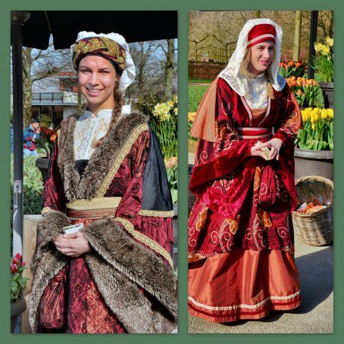 PR-meisjes in middeleeuwse klederdracht