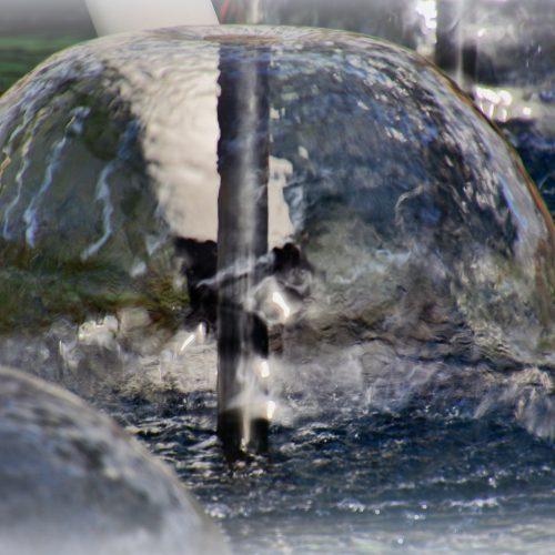 In het Willem -Alexander paviljoen- fonteinen