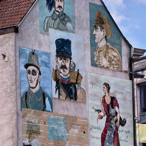 Brabantdam-links vanaf het water- street art