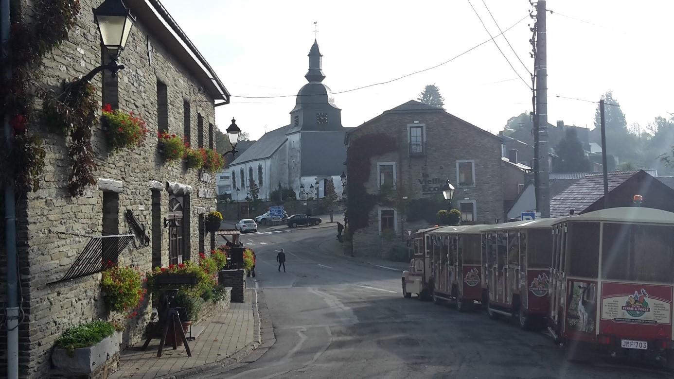 Het centrum van Rochehaut … bijna volledig in handen van de familie Boreu