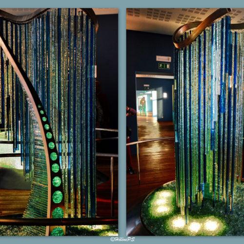 An interactive set of 5 monumental glass sculptures made by the Belgian artist Bernard Tirtiaux, a glass sensory discovery.