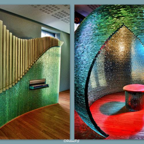 An interactive set of 5 monumental glass sculptures made by the Belgian artist Bernard Tirtiaux, a glass sensory discovery....