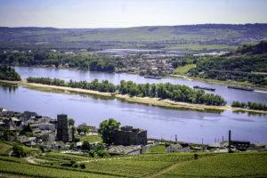 Rüdesheim: uitzicht op de Rijn vanaf het monument Germania