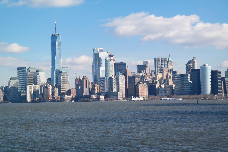 De nieuwe skyline van Lower Manhattan in New York, met links de One World Tower als hoogste wolkenkrabber van het westelijk halfrond.