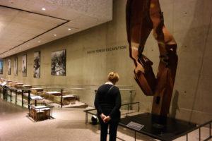 Het bezoek aan het 9/11 Memorial Museum is beklijvend …