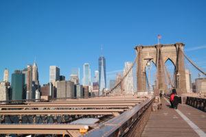 Absolute must: wandel over de beroemde Brooklyn Bridge naar Manhattan.