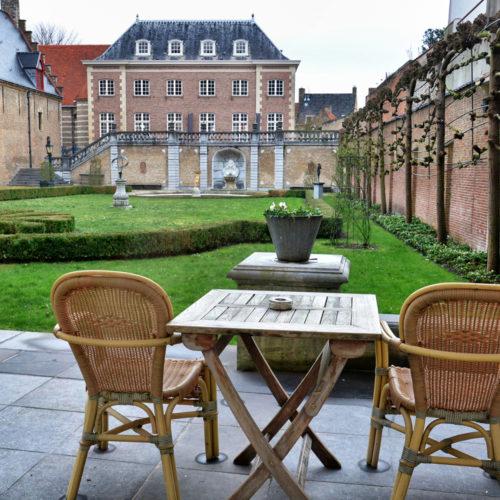 Franse tuin vanuit de tuinzaal