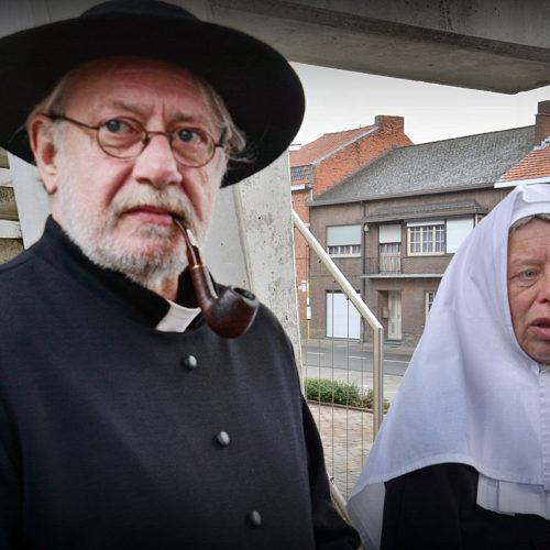 Mijnheer Pastoor van het begijnhof en begijn Juffrouw Isabelle heten ons welkom aan de Moerentoren