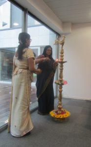 Traditionele opening van de bijeenkomst door de ambassadeur