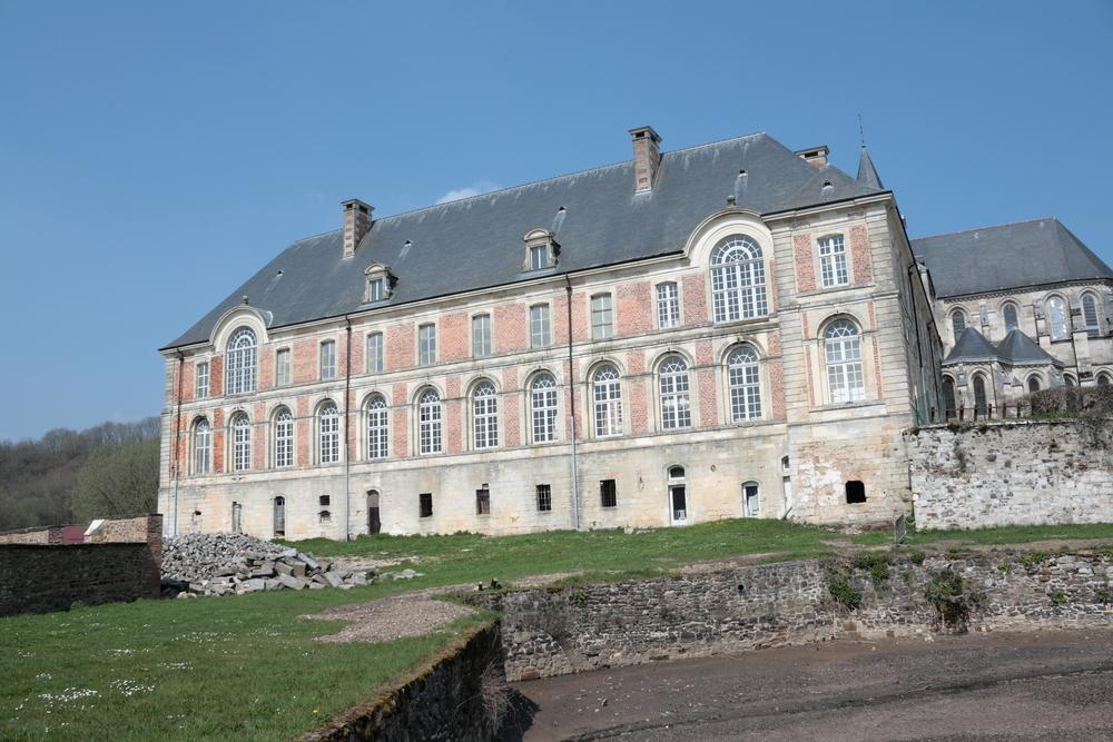 Abdij Saint-Michel-en-Thiérache - copyright Shutterstock.com