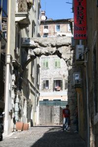 Romeinse poort, oudste monument