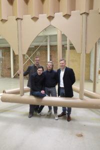 Van links naar rechts: professor Verbruggen, schepen Calvo, kunstenaar Megens en burgemeester Vandersmissen