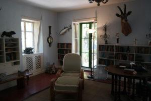 De werkstudio van Ernest Hemingway in het landhuis, waar hij van 1931 tot 1939 verbleef