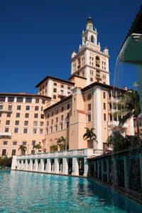 Het zeer luxueuze hotel Biltmore met het beroemde zwembad
